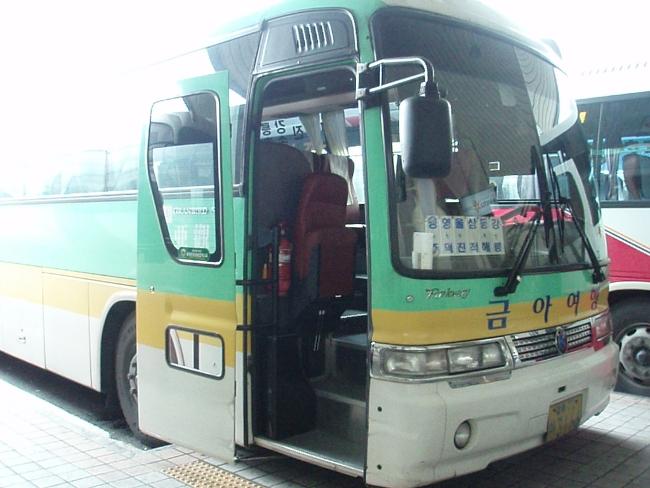 蔚珍、東海、江陵行きのバス