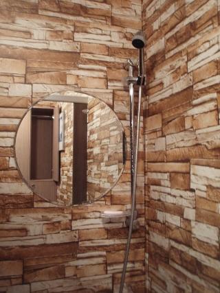 シャワールームの内装は洋風