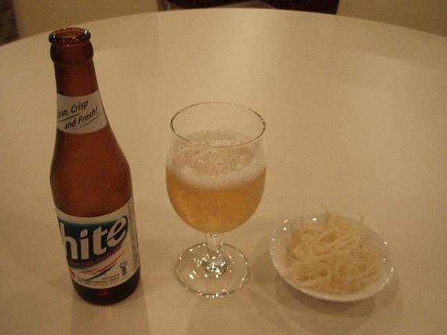 ビールとサキイカ。5000ウォン。