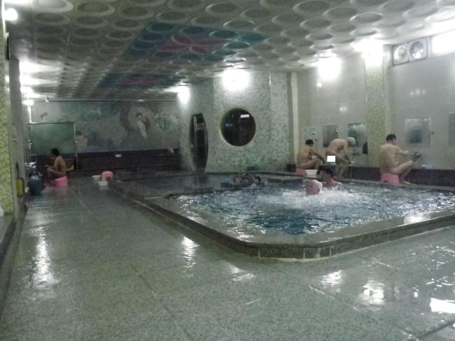 清風温泉湯浴室
