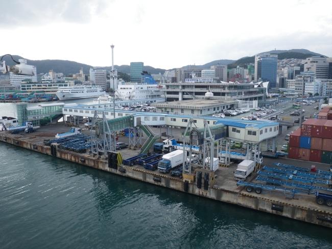 釜山港離岸