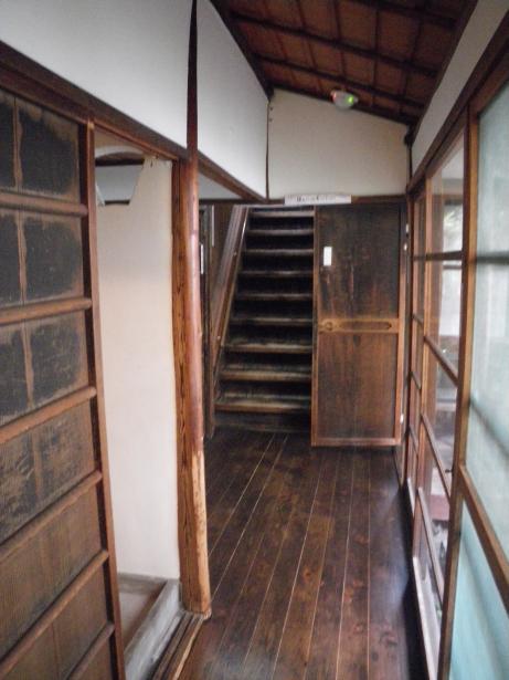 風呂場と裏階段