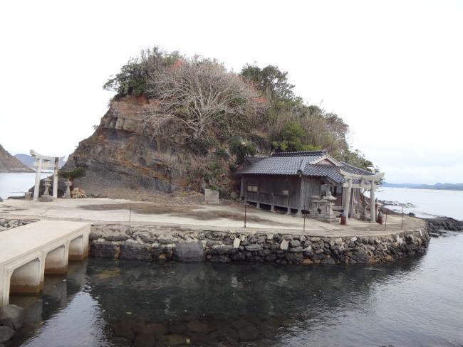 都々智神社の島