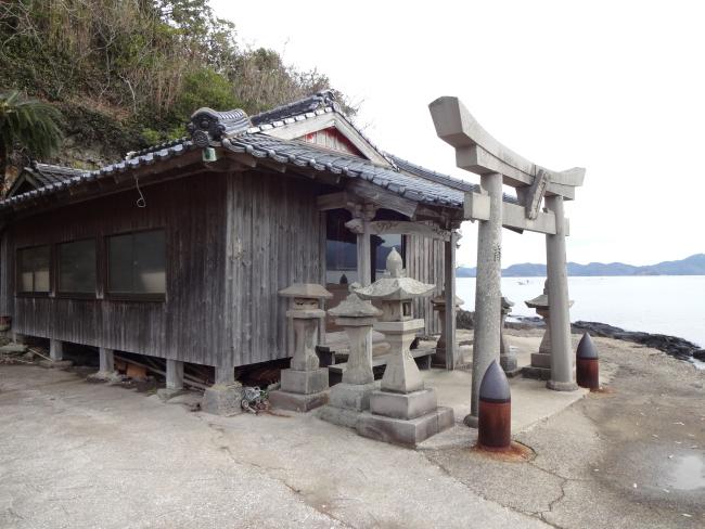 都々智神社拝殿