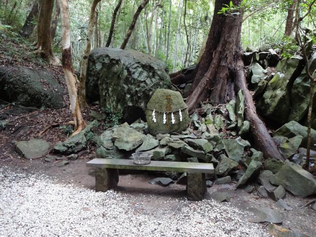 豊玉姫墳墓