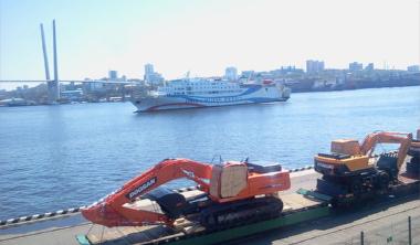 ウラジオストクに入港するイースタンドリーム号