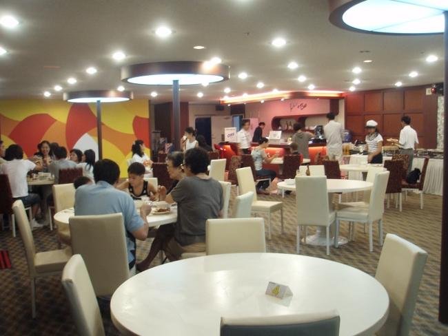 レストラン、オープン!