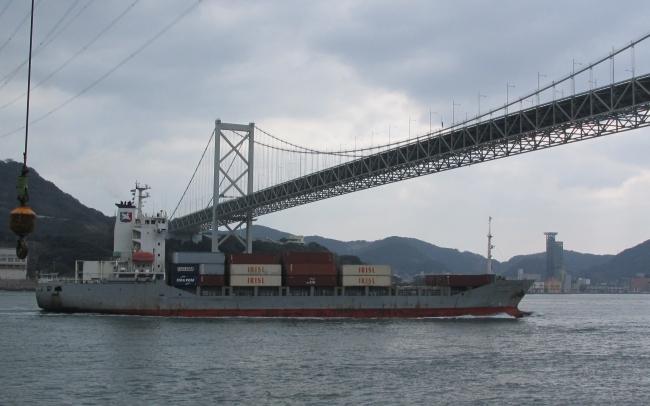 壇ノ浦から見た関門海峡