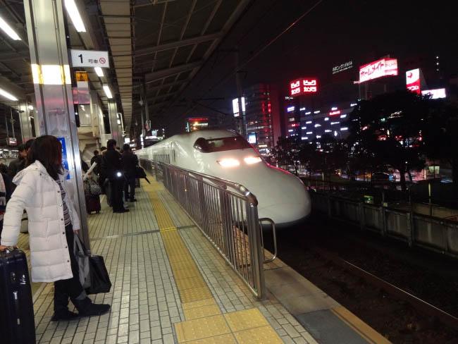 名古屋駅の700系のぞみ