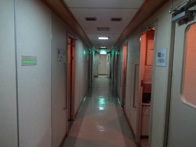 1等室廊下