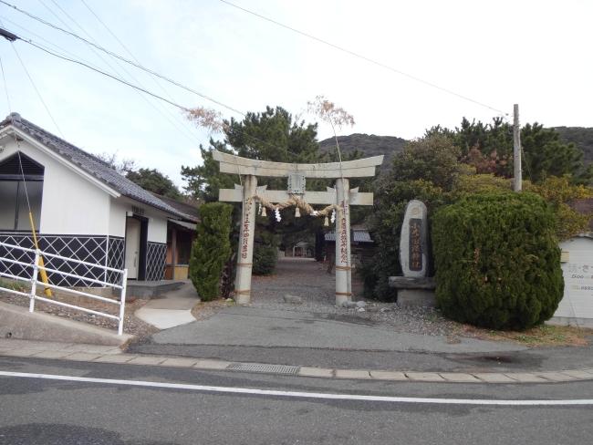 小茂田浜神社鳥居