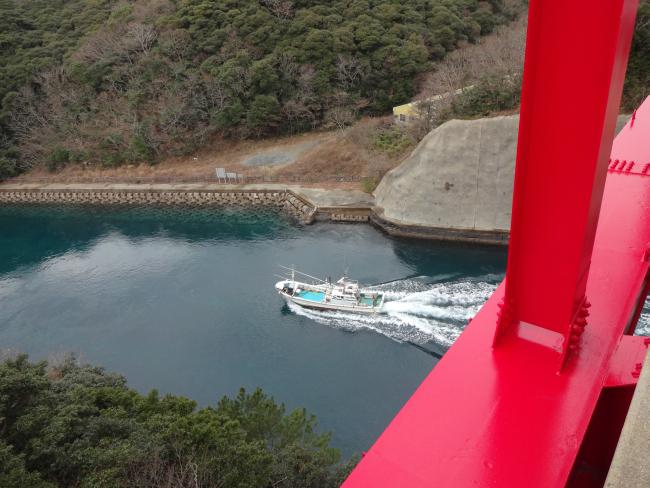 万関瀬戸の漁船