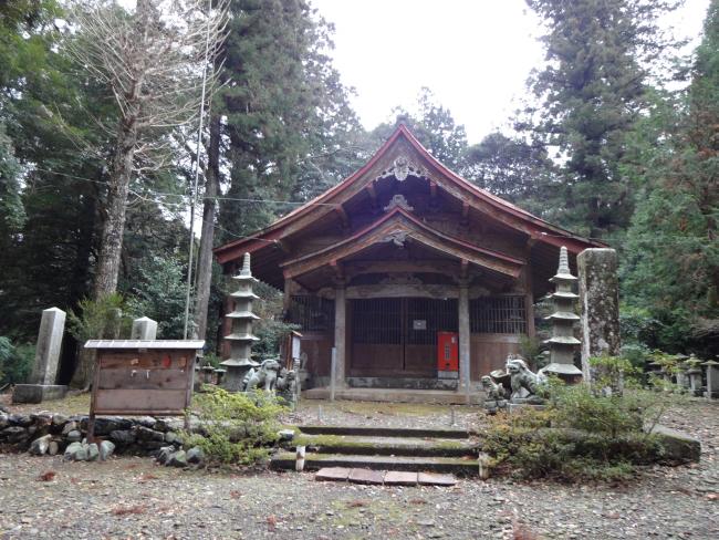 久頭神社拝殿